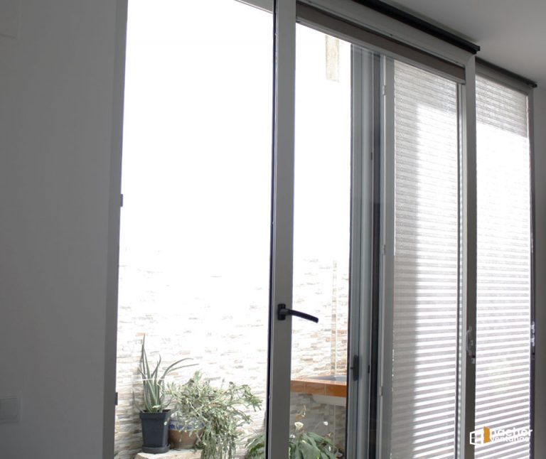 Ventana oscilo paralela – proyecto en Burjassot – Valencia