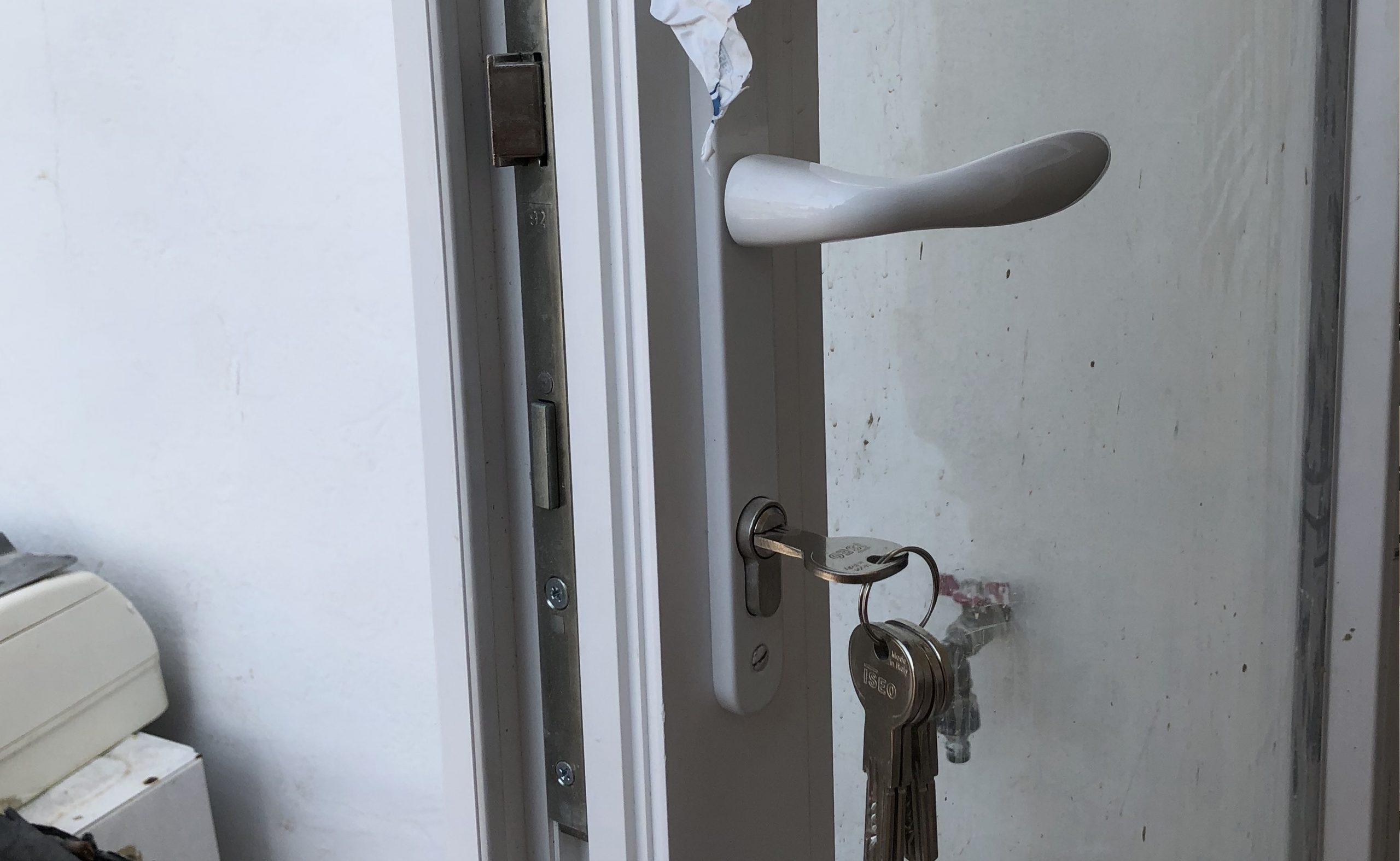 ventanas de pvc puerta galeria con llave