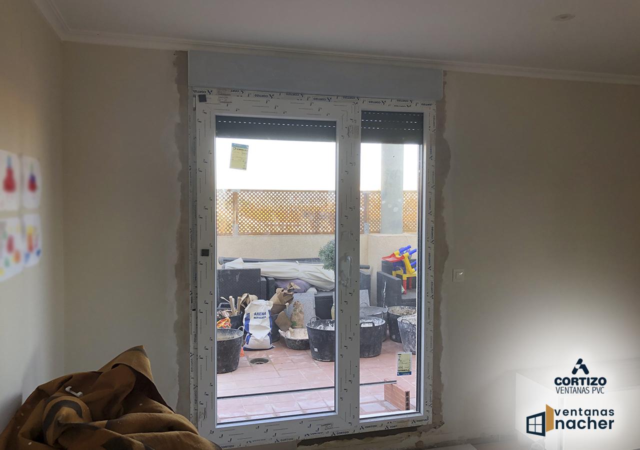 ventana balcnera bicolor PVC