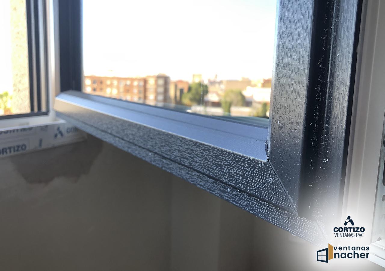 Venta y regulación de ventanas PVC bicolor